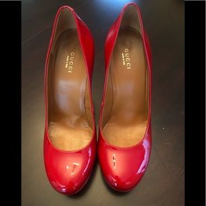 👠 AUTHENTIC GUCCI CANDY RED PATENT LEATHER PUMPS